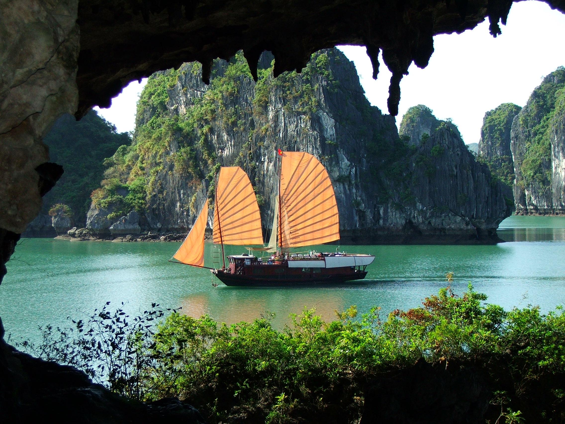 Barco Bahía Halong