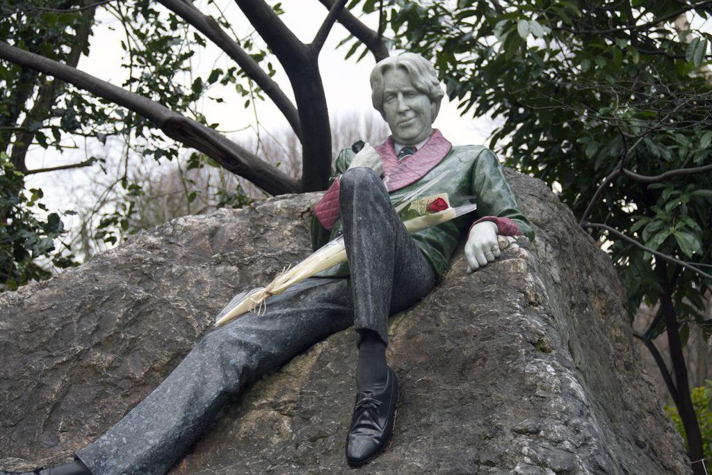 Estatua Oscar Wilde