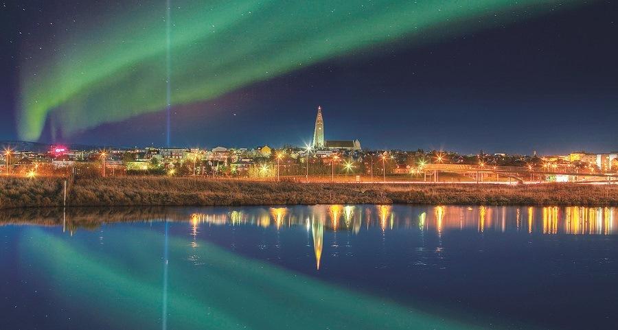 Aurora Boreal sobre Reikjavik