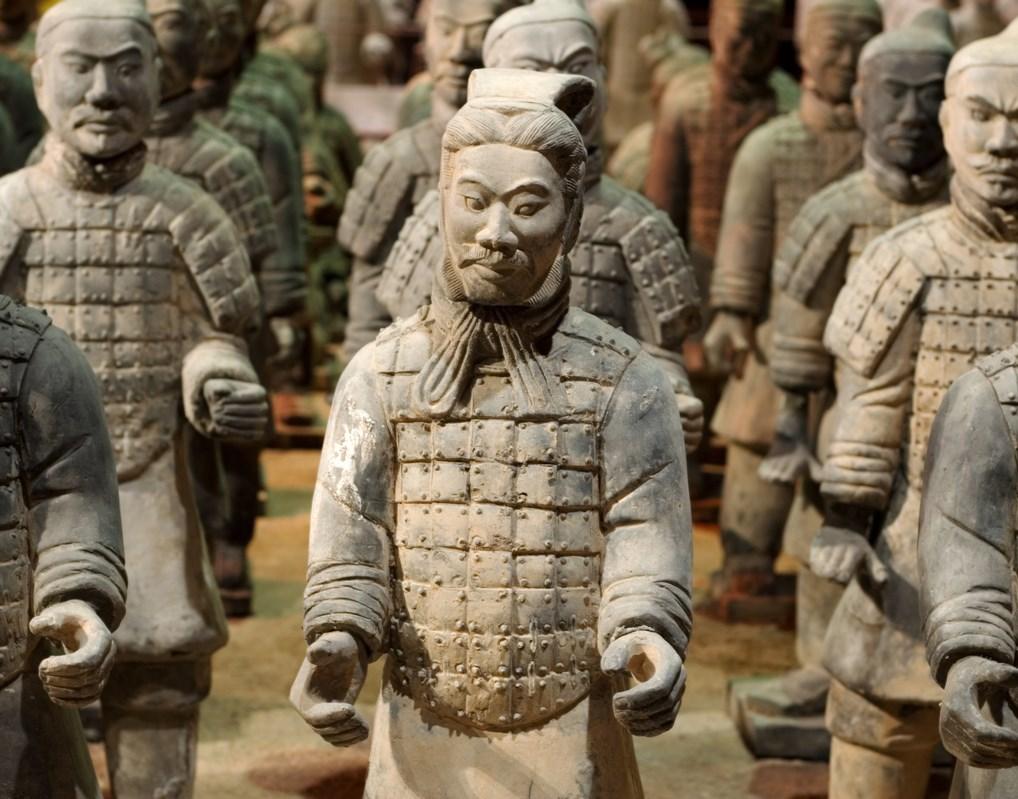 Hasta 8.000 estatuas forman parte del conjunto de estatuas de los Guerreros de Terracota de Xian.
