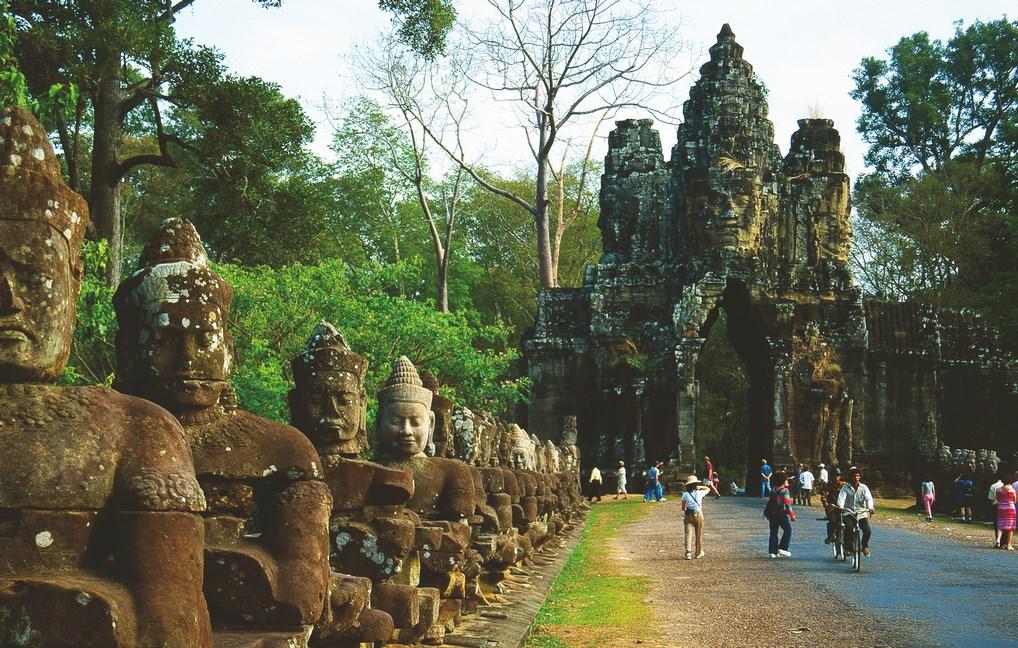 Los Templos de Angkor son una de las maravillas de Asia que puedes encontrar en el sudeste del continente.