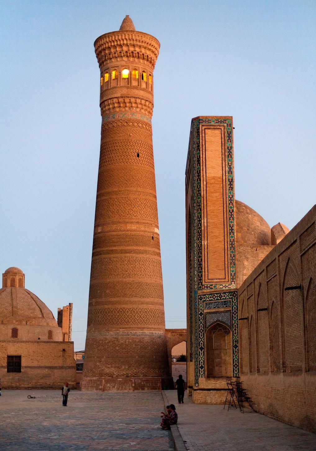 El Minarete de Kaylan, que se salvó de la destrucción de las hordas de Gengis Khan.