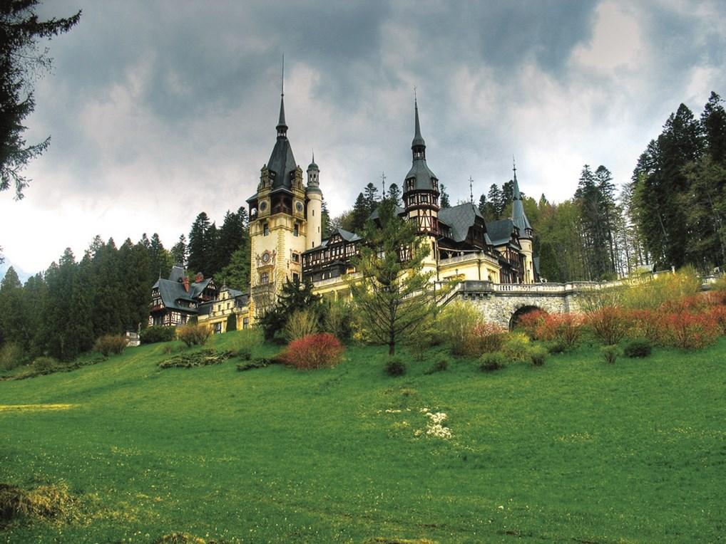 El Castillo de Peles es uno de los lugares más impresionantes de Rumanía, construido en el siglo XIX.