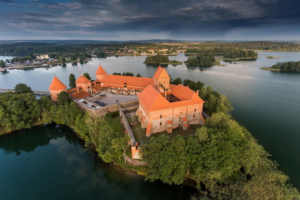 Castillo Trakai y el lago