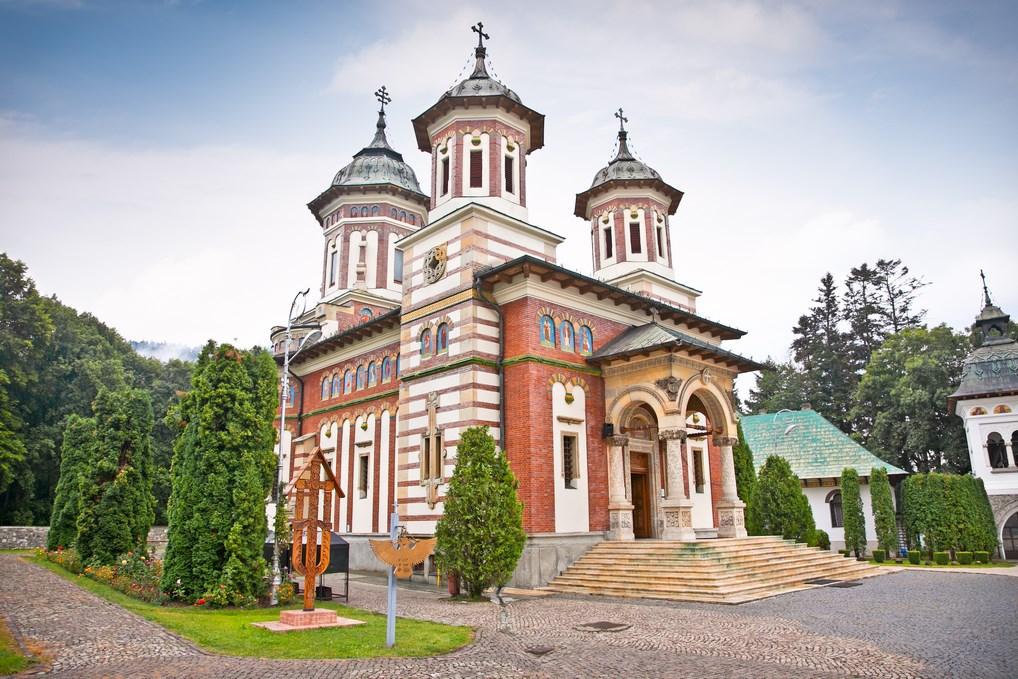 El Monasterio de Sinaia, uno de las visitas imprescindibles de Rumanía.