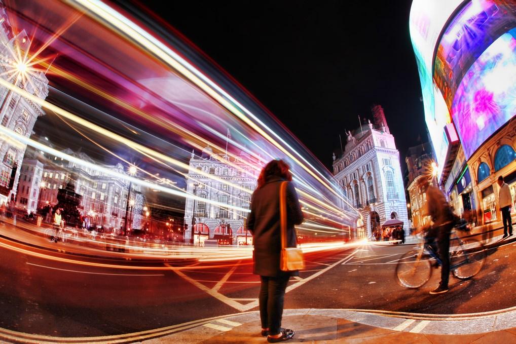 Picadilly Circus es uno de los lugares más concurridos de Londres.