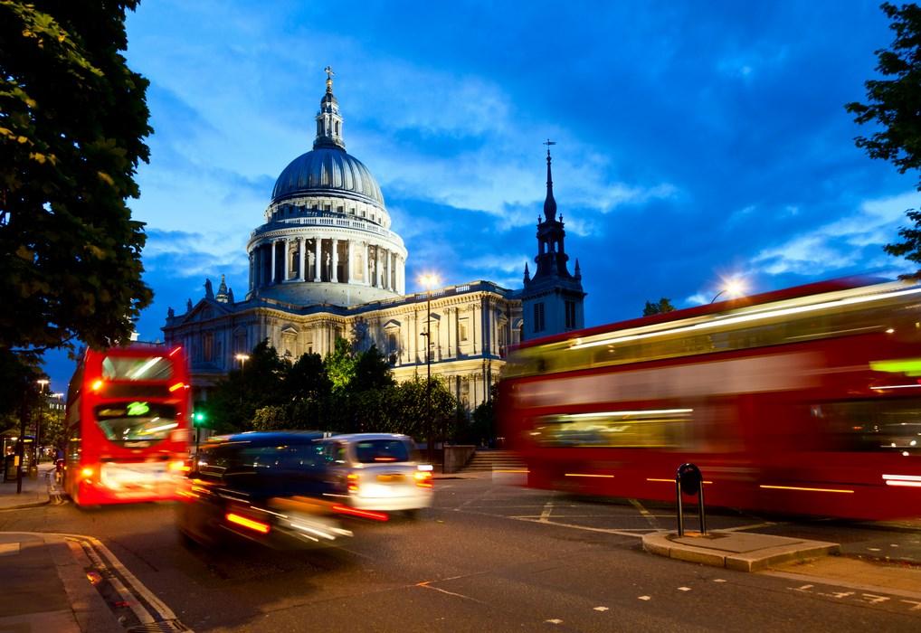 La Cúpula de San Pablo impresiona cuando se visita Londres. No pierdas la oportunidad de subir y disfrutar de sus vistas.