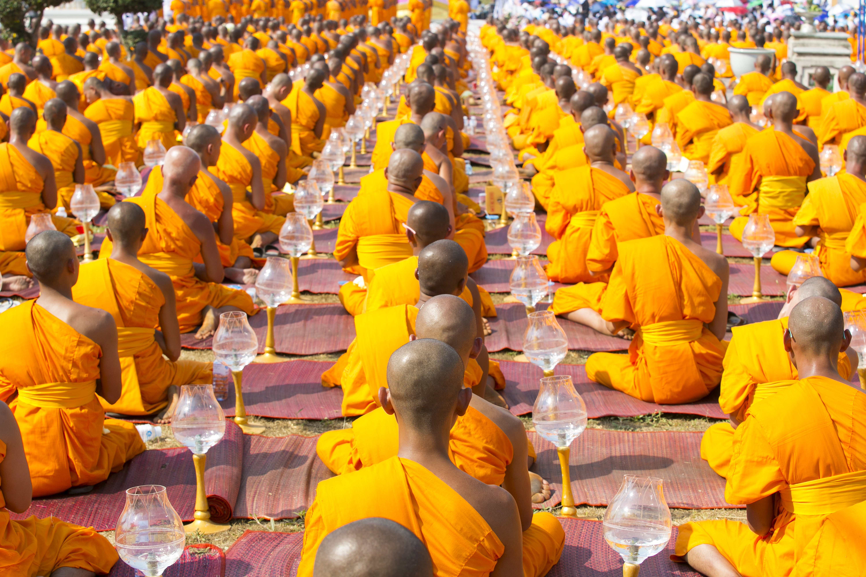 Monjes budistas en Ayuthaya