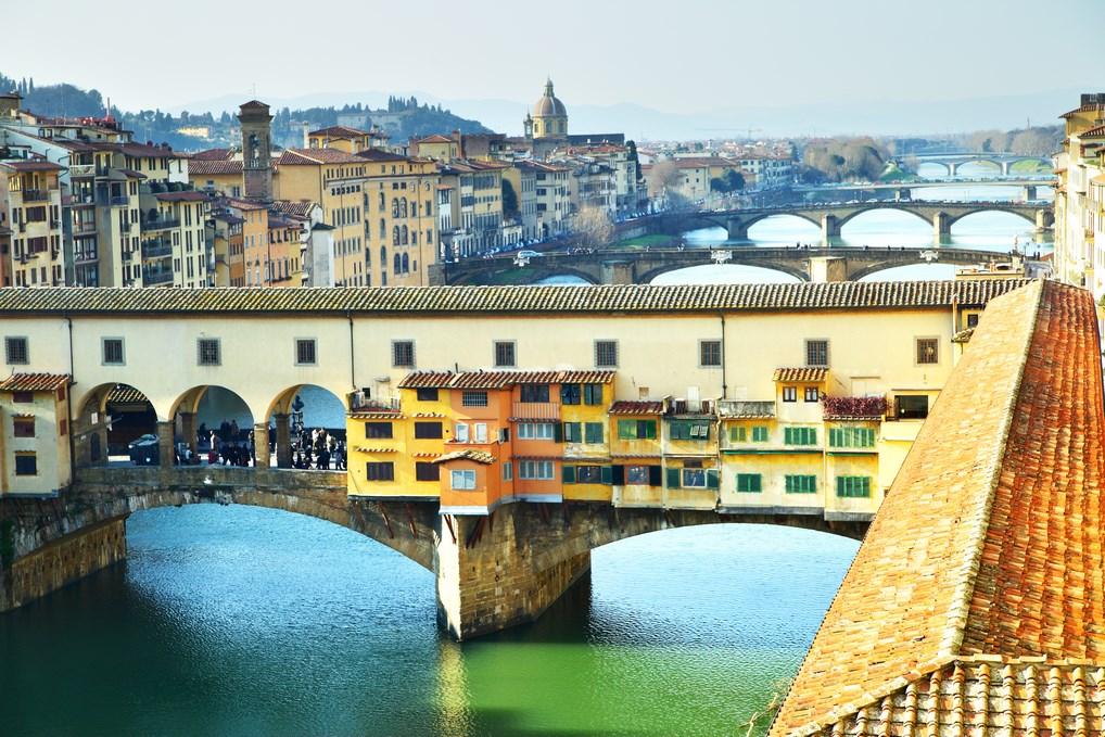 El Ponte Vechhio de Florencia es uno de los lugares más reconocidos de la Ciudad del Renacimiento.
