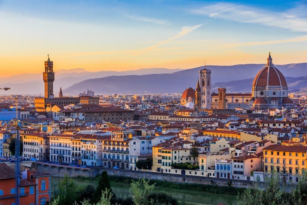La Piazzale Miguelangello es uno de los mejores miradores de Europa por razones que saltan a la vista.