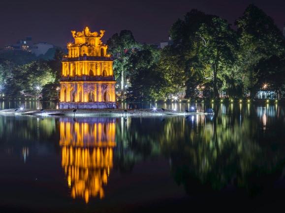 La torre de la tortuga es una de las cosas que sí tienes que ver en Hanoi