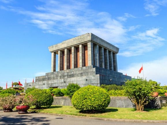 El Mausoleo Ho Chi Minh es una de las cosas que sí tienes que ver en Hanoi
